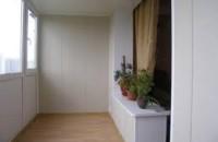 Особенности пластиковой отделки балкона