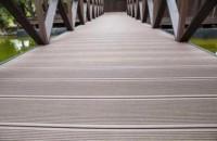 Полимерные террасные доски, особенности материала, главные преимущества и недостатки материала