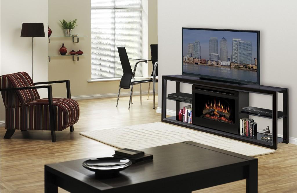 Гостиная с камином и телевизором в квартире — современные фото