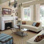 интерьер гостиной комнаты в деревяном доме