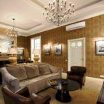 глубокие оттенки золотого в гостиной