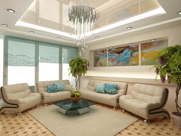 современная гостиная с большими окнами