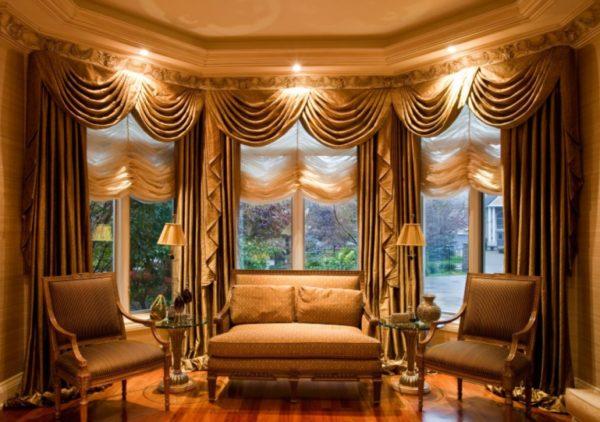 эффектные шторы в интерьере гостиной
