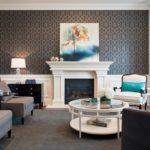 богатый серый оттенок в дизайне гостиной