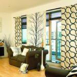современные шторы в гостиной комнате