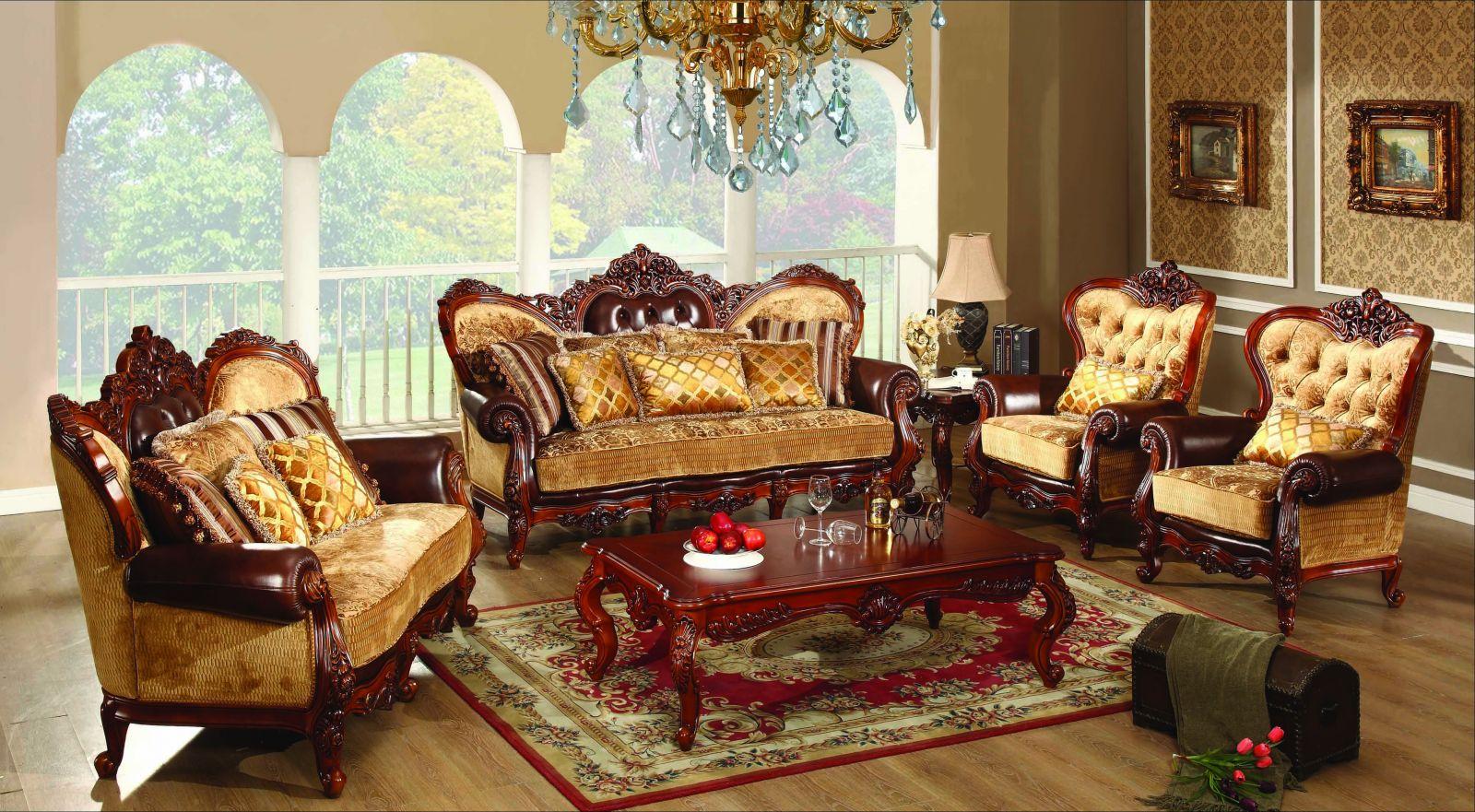 мягкая мебель в классическом интерьере гостиной
