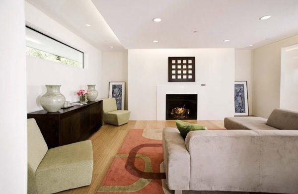простой потолок в гостиной