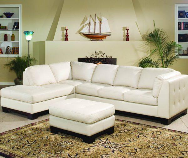 белый угловой диван в гостиную комнату