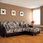 цветочный принт в оформлении углового дивана