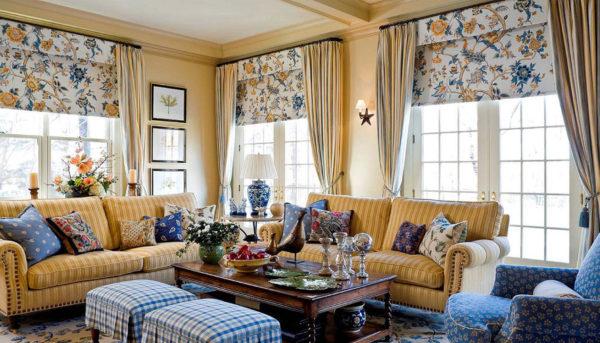 римские шторы в оформлении современной гостиной