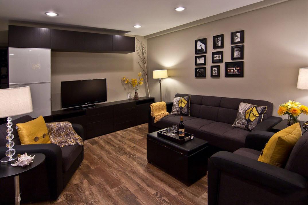 Дизайн зала с черной мебелью