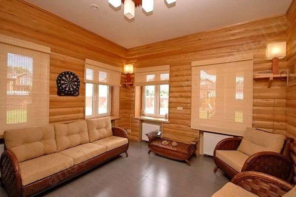 функциональный интерьер дома из дерева