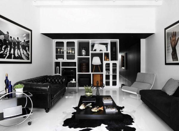 черная мебель с белыми оттенками в интерьере современной гостиной