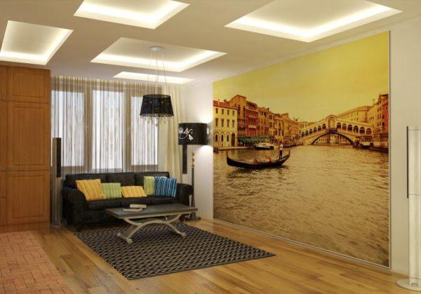 Минималистический дизайн гостиной дополняют фотообои