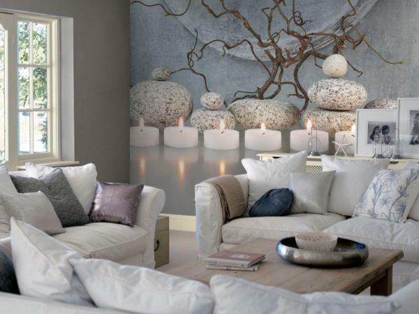 В гостиной фотообои со свечами наполняют пространство энергией и жизнью в гостиной