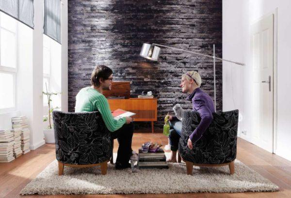 Хороший дизайн гостиной для вечерних посиделок