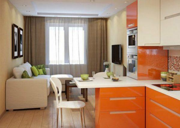 Оранжевая мебель для кухни светлых тонах