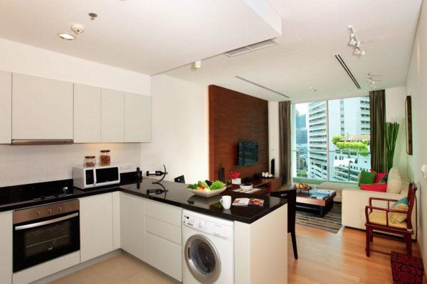 Своевременный дизайн в гостиной-кухне