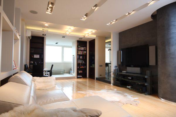 практичная мебель в дизайне гостиной