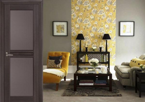 желтые обои в гостиной