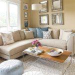текстильный угловой диван песочного цвета