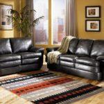 черная мебель с яркими акцентами для гостиной комнаты