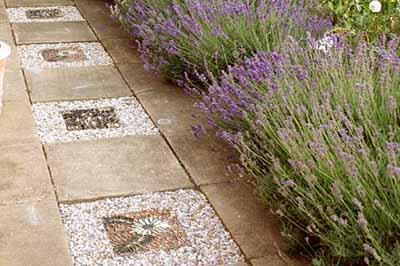 Садовые дорожки из тротуарной плитки: 50 фото