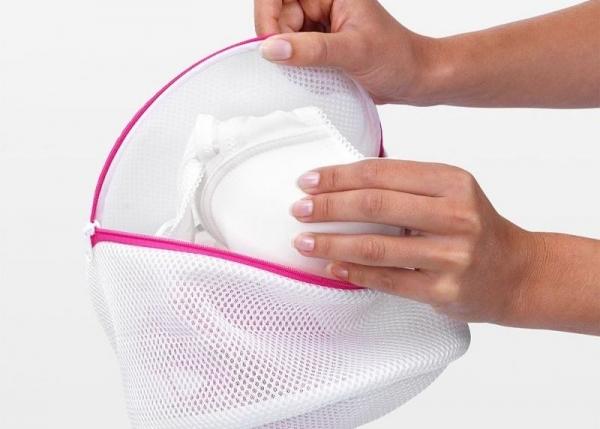 Как стирать бюстгальтер в мешке в стиральной машине