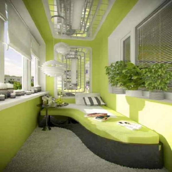 Спальня на балконе - способ увеличить жилое пространство.