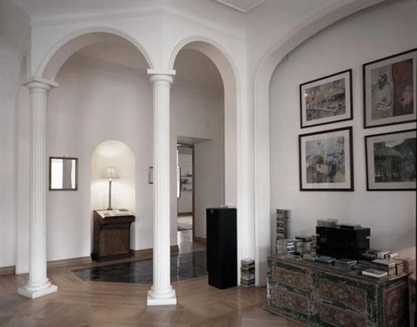 колонны и объемные арки