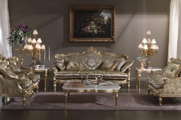 Мебель для гостиной в классическом стиле должна быть под антиквариат.