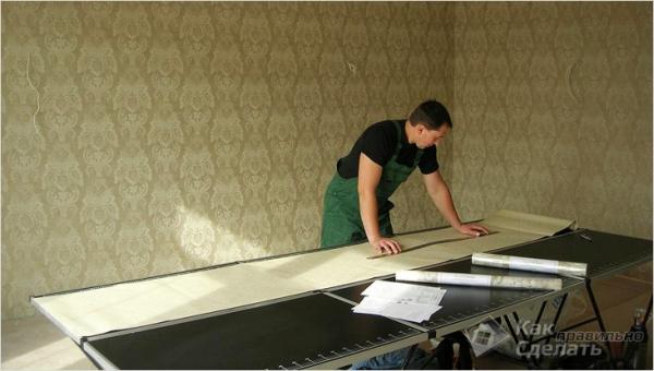 Как клеить виниловые обои — клеим обои на стены и потолок (+фото)