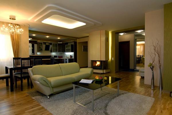 диван в кухне зонирует пространство