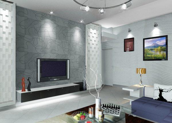 Светлые колонны в гостиной и стена с кладкой