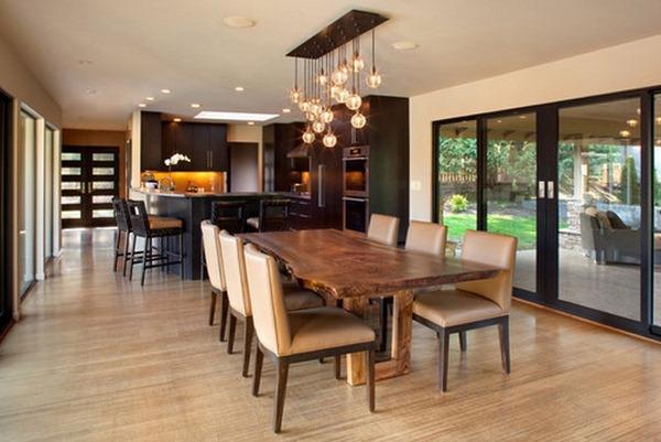 стол между кухней и гостиной