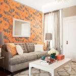 Яркие элементы декора в гостиной