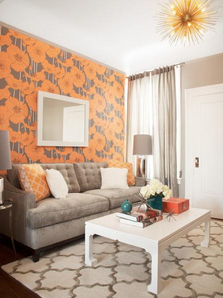 """Яркие элементы декора сделают белую комнату менее """"стерильной"""""""