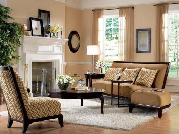 бежевый цвет стен в сочетании с темным мебельным гарнитуром