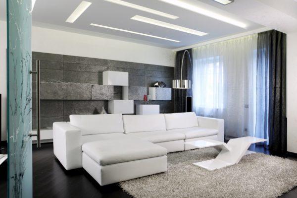 большой белый диван