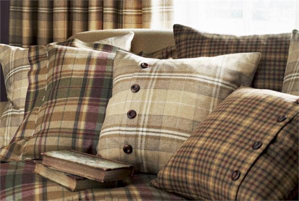 подушки для дивана в клетку