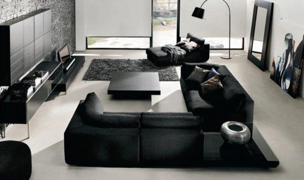 черная мебель в сочетании со светлым полом