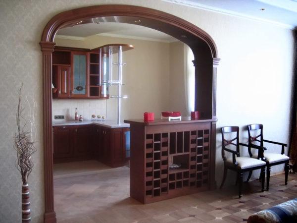 Славянская или романтическая арка с барной стойкой