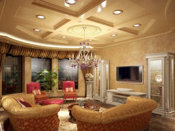 Люстра и точечное освещение в гостиной