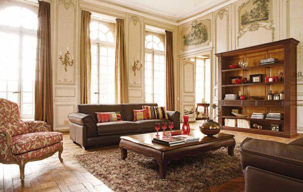 Гостиная с красными элементами декора