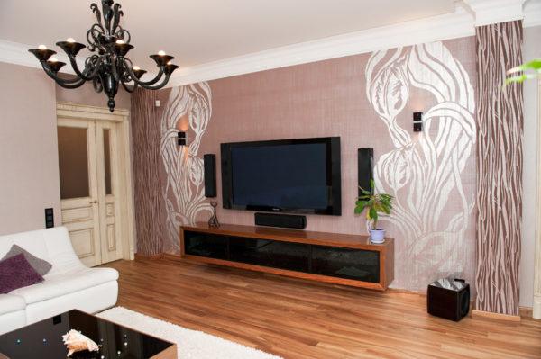 Разрисованные стены в гостиной