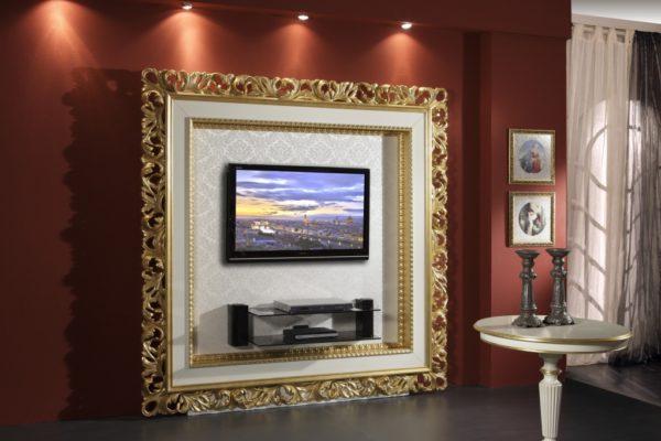 Гостиная с рамой вокруг телевизора