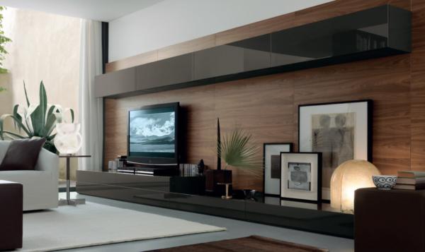 Телевизор на деревянной стене с полками