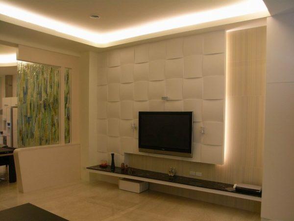 Телевизор с подсветкой в гостиной