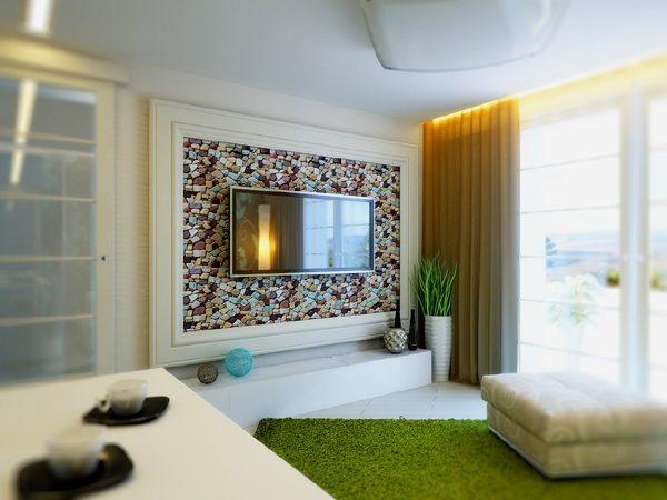 Декоративная стена с телевизором в раме